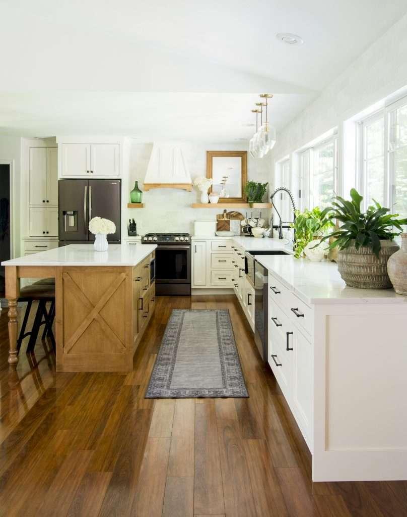 Modern farmhouse kitchen style elements.