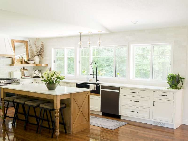 Neutral Fall Decorating Ideas in the Kitchen