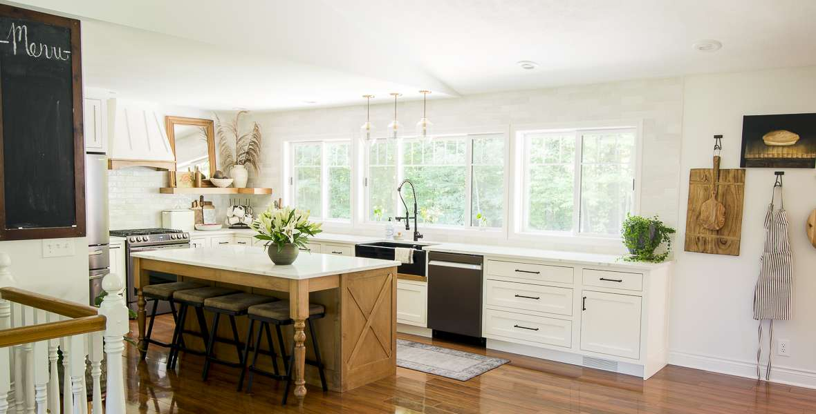 Neutral fall decorating ideas in the kitchen.