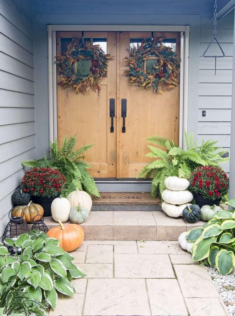Walkway to a front door.