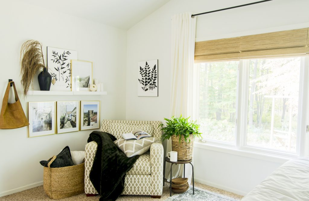 Cozy home ideas in a bedroom.
