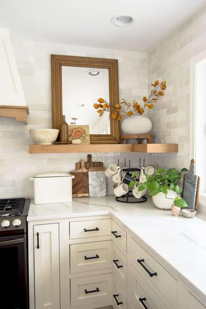 Kitchen shelf decorating ideas