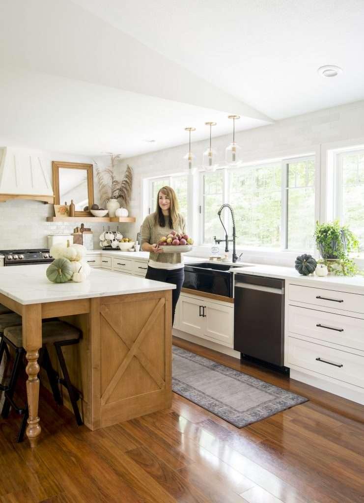 Modern farmhouse kitchen with quartz countertops.