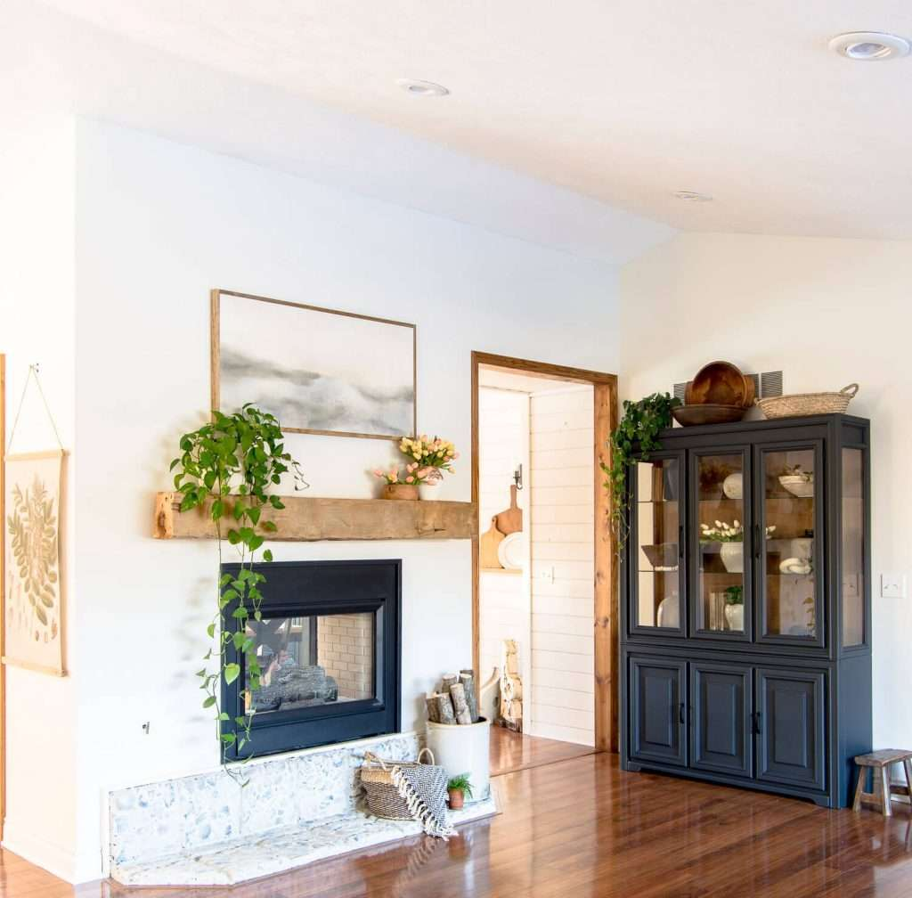 Fireplace and hutch decorations