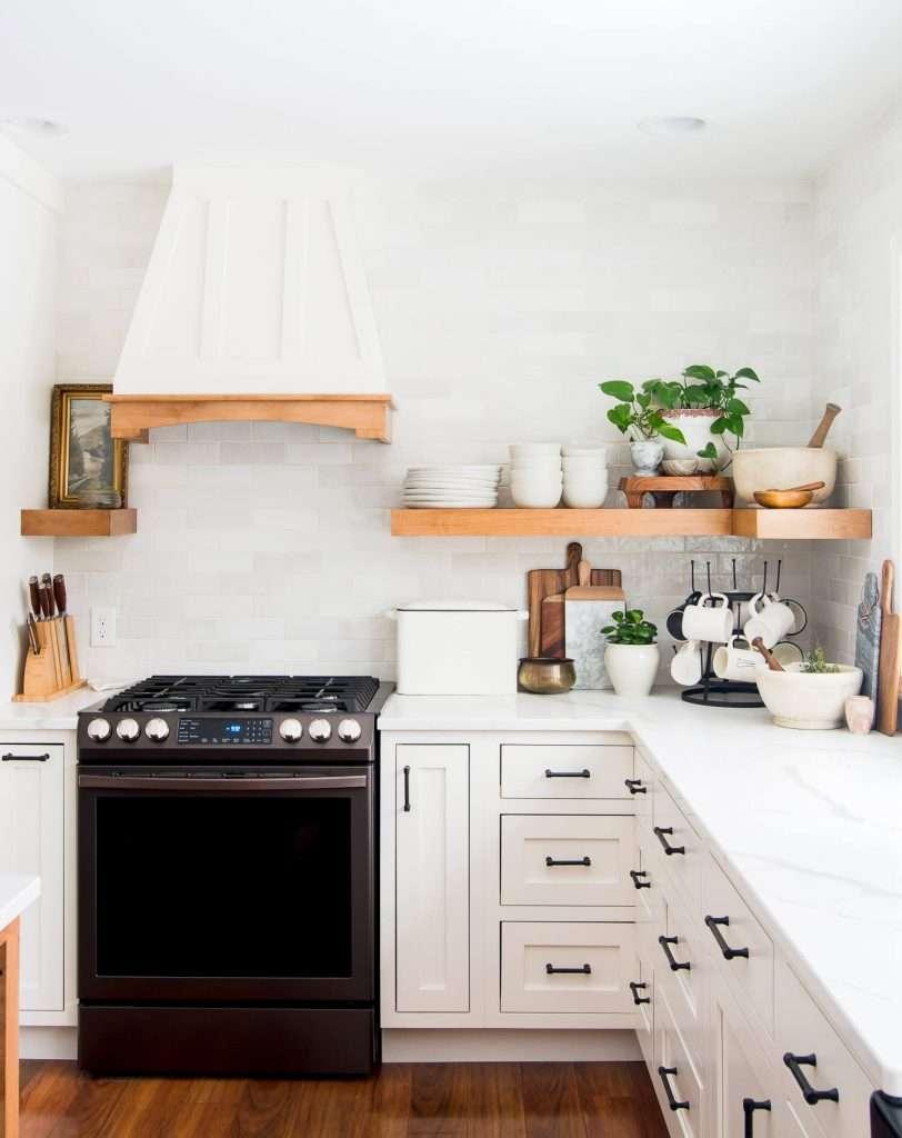 Spring kitchen shelf.