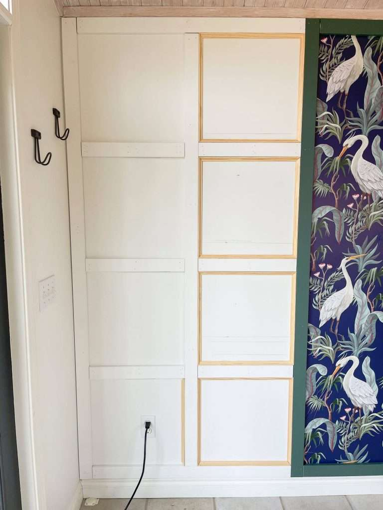 Full wall wainscoting with cove moulding