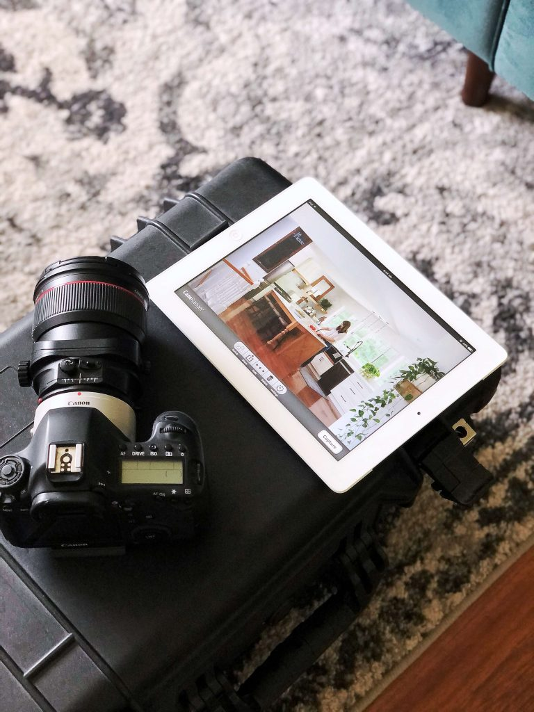 Camera with photo on iPad