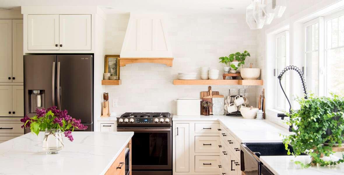 Kitchen Design: Corner Cabinet Ideas feature image