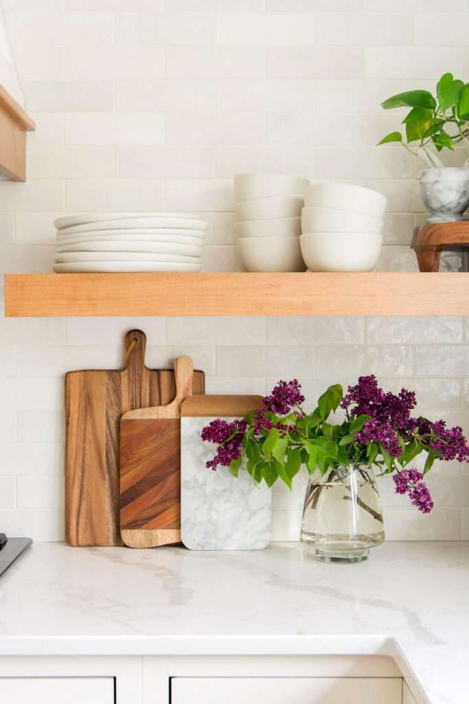 Simplify your home with everyday dishes out in the open.