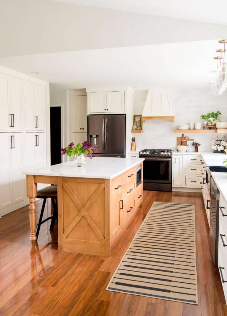 Kitchen styling with center island