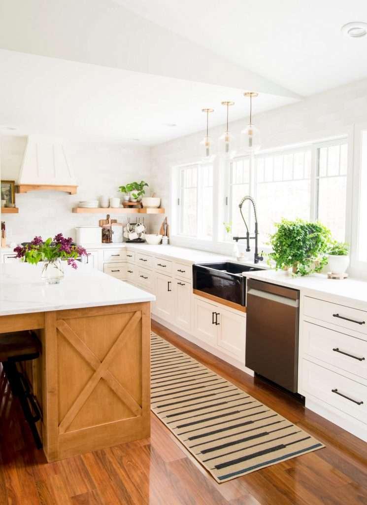 10 Best Kitchen Styling Tips in a modern farmhouse kitchen