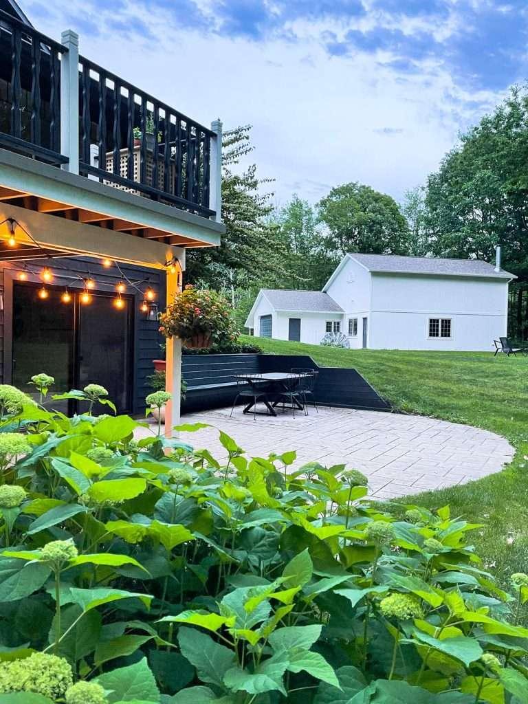 Backyard living patio design