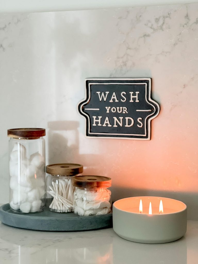 Bathroom essentials list: candles