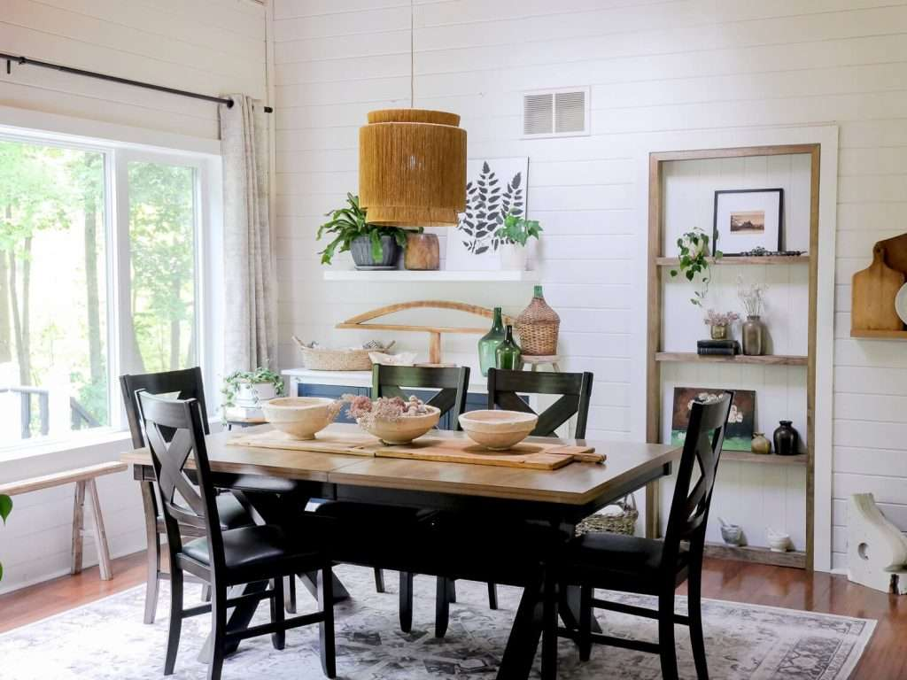 Dining room with built ins