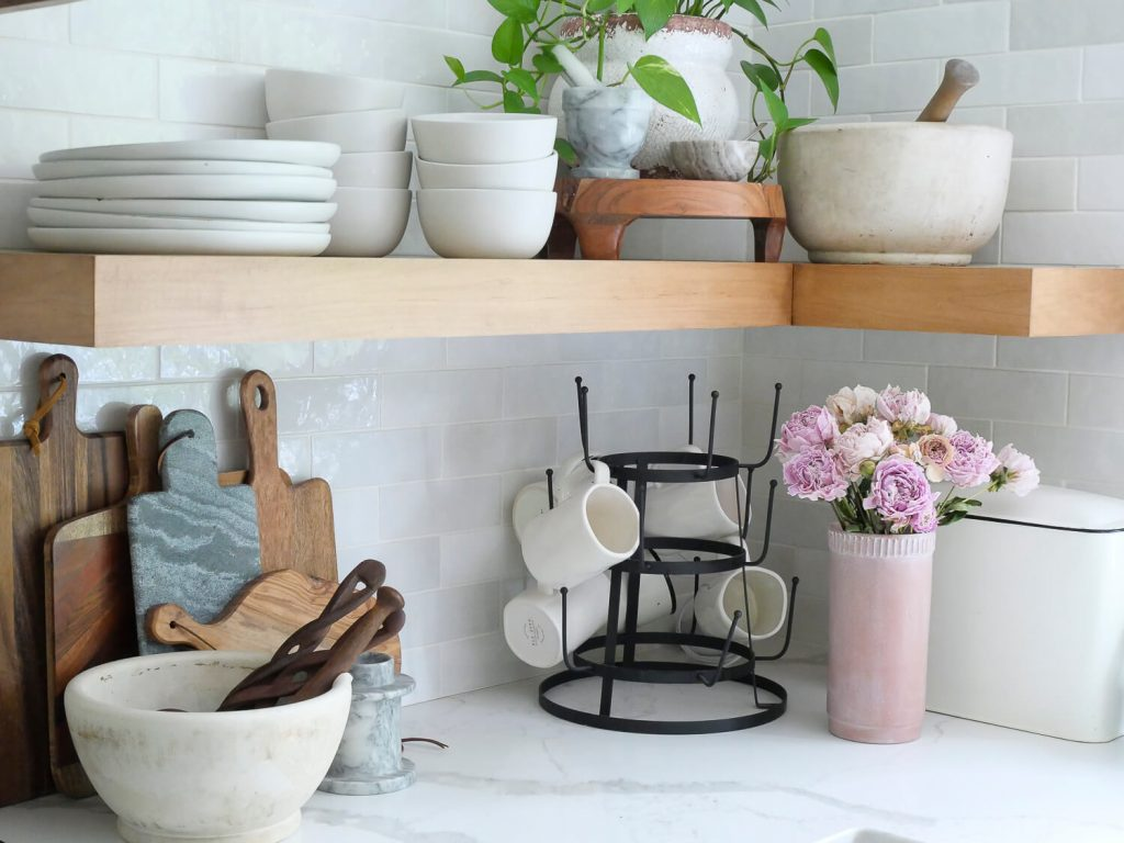 What to look for when thrifting for beautiful decor
