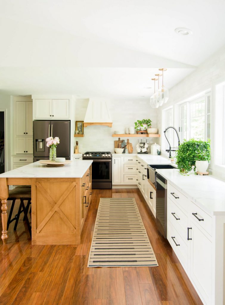 Easy Weeknight Dinners for Family. modern farmhouse kitchen