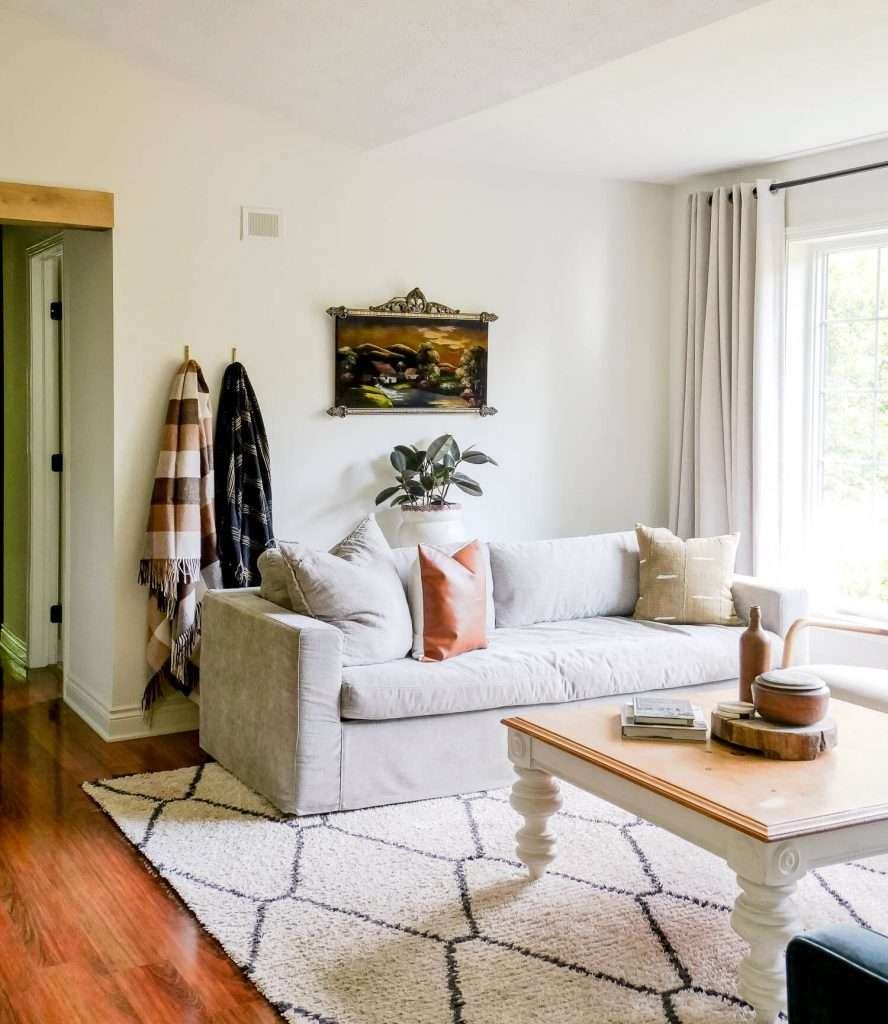 Neutral fall decorating in a living room