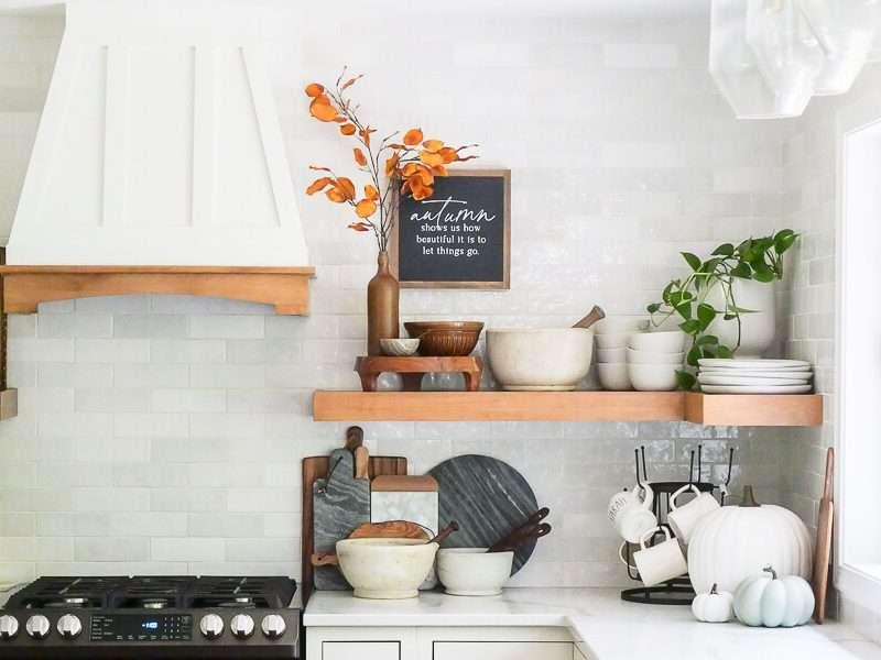 15 Farmhouse Kitchen Ideas on a Budget (2021)