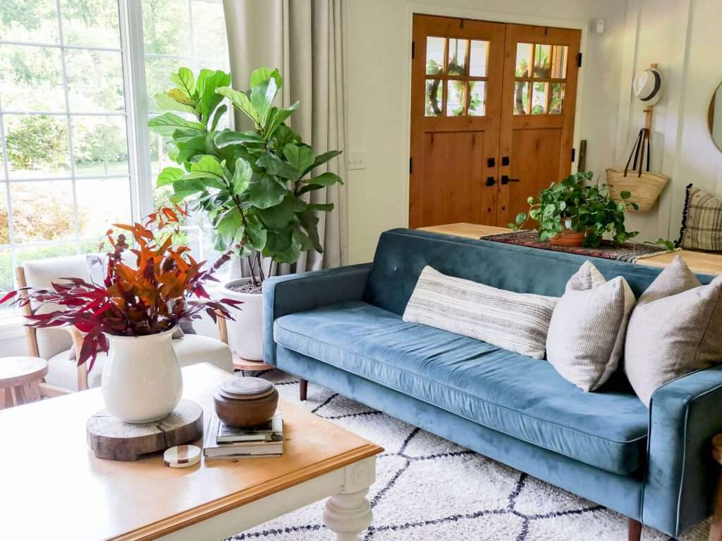 Neutral fall decor with pops of color